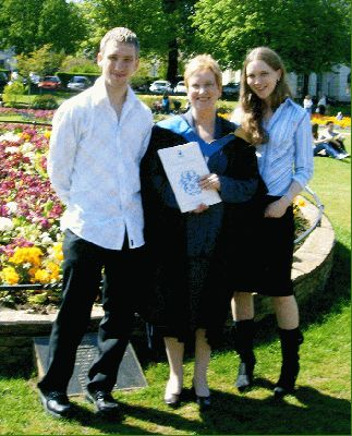 51da26aae Leech Mather Family - Clive's family/Karen with proud kids.